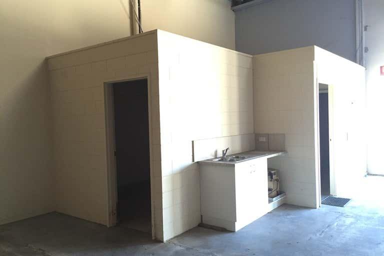 2/31 Production Avenue Warana QLD 4575 - Image 4