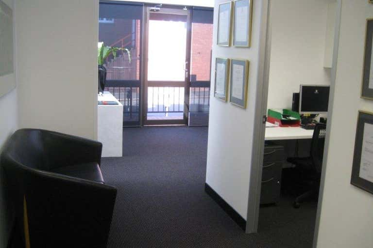 Suite 15, 220 Boundary Street Spring Hill QLD 4000 - Image 3