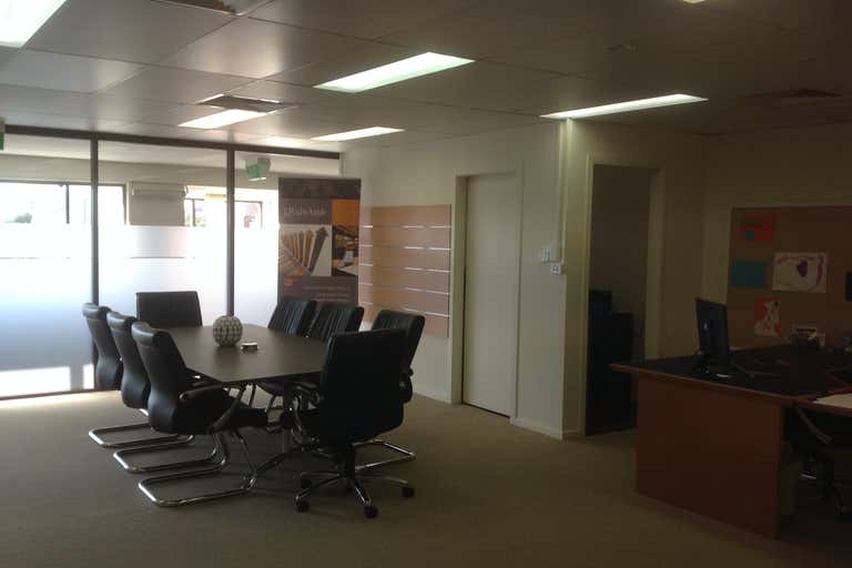 12/6-8 Grice Ave Paradise Point QLD 4216 - Image 4