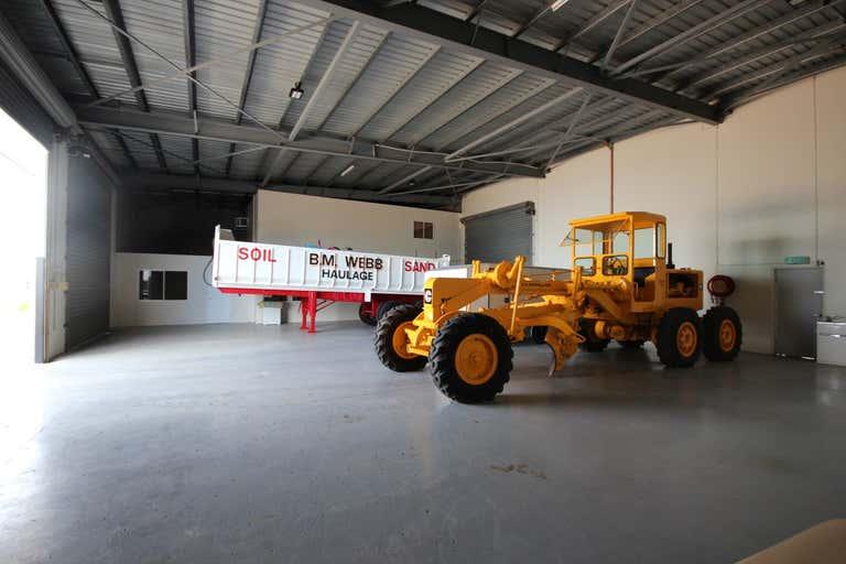 Unit 1/49 Webb Drive Mount St John QLD 4818 - Image 4