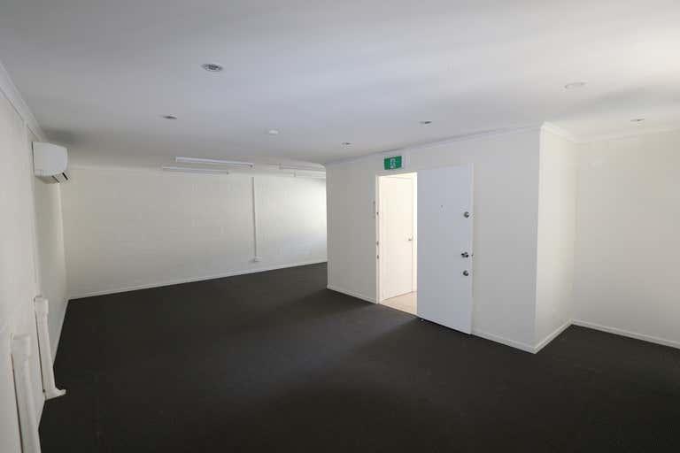 5/26 James Street Burleigh Heads QLD 4220 - Image 4