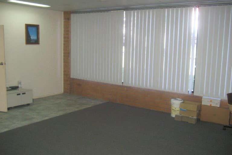 7/28 Glastonbury Avenue Unanderra NSW 2526 - Image 3