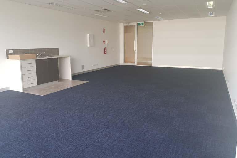 Suite 23, 574 Plummer Street Port Melbourne VIC 3207 - Image 2