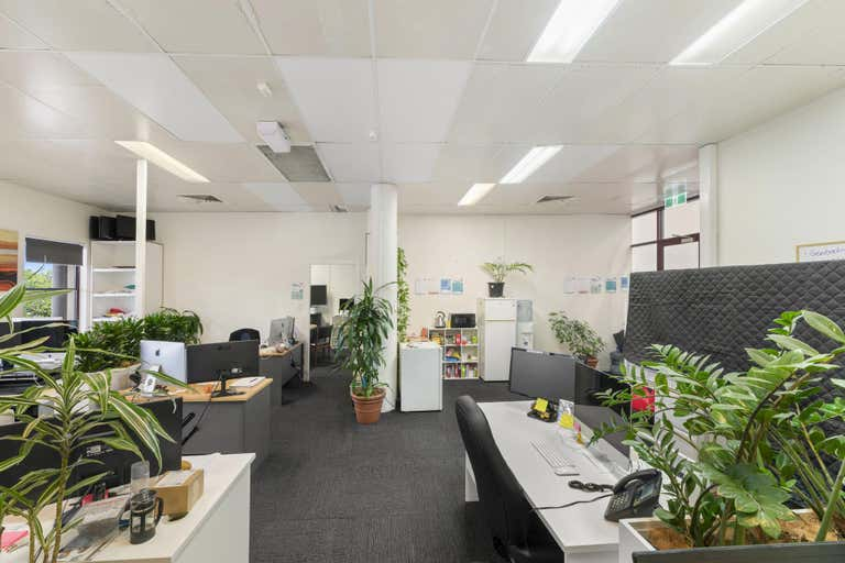 Suite 4/17 Lawson Street Byron Bay NSW 2481 - Image 2