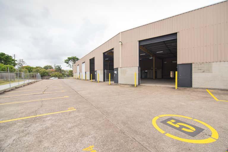 68 Harries Road Coorparoo QLD 4151 - Image 2