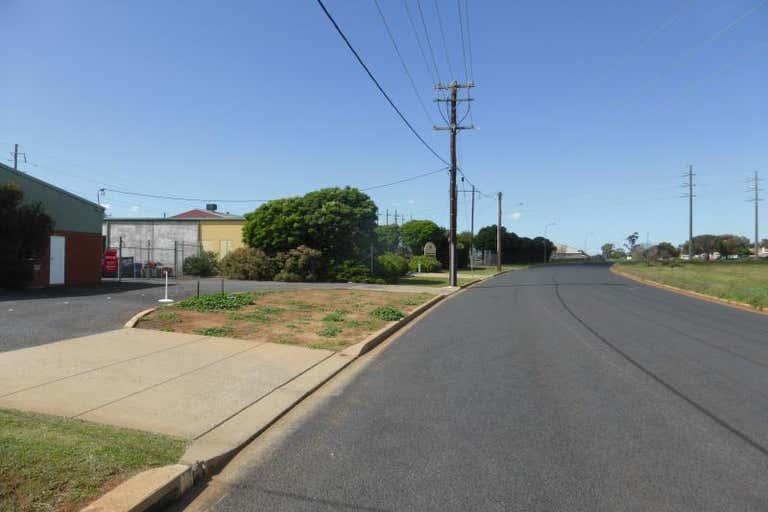 2/82 Mountbatten Drive Dubbo NSW 2830 - Image 3
