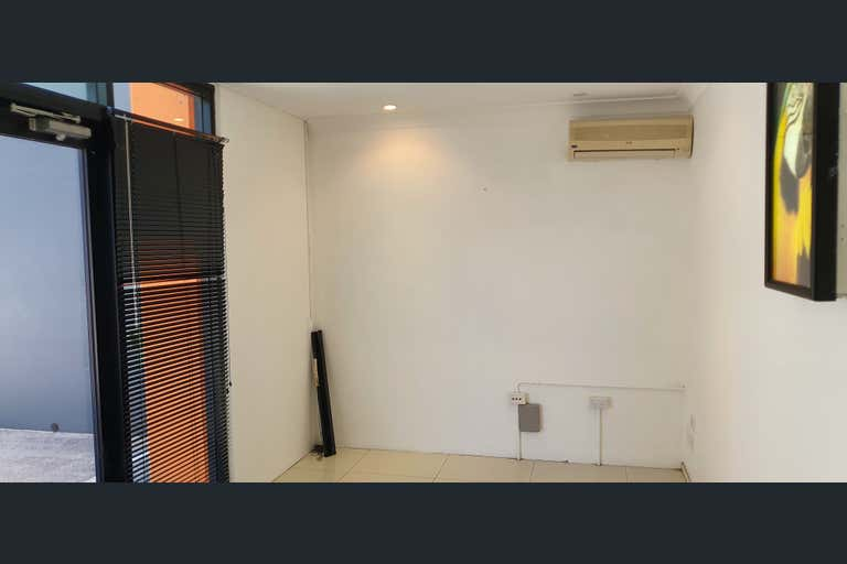 3/80-82 Township Drive West Burleigh QLD 4219 - Image 2