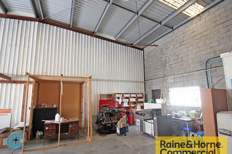 3/3 Moonbi Street Brendale QLD 4500 - Image 3