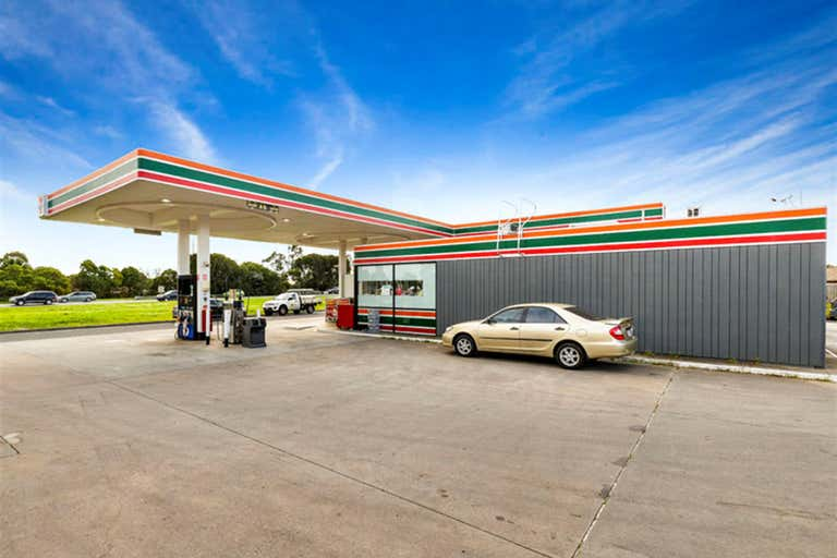 1015 South Gippsland Highway Cranbourne North VIC 3977 - Image 2