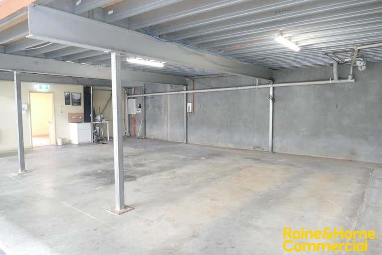 Unit 4, 17 Stennett Road Ingleburn NSW 2565 - Image 3