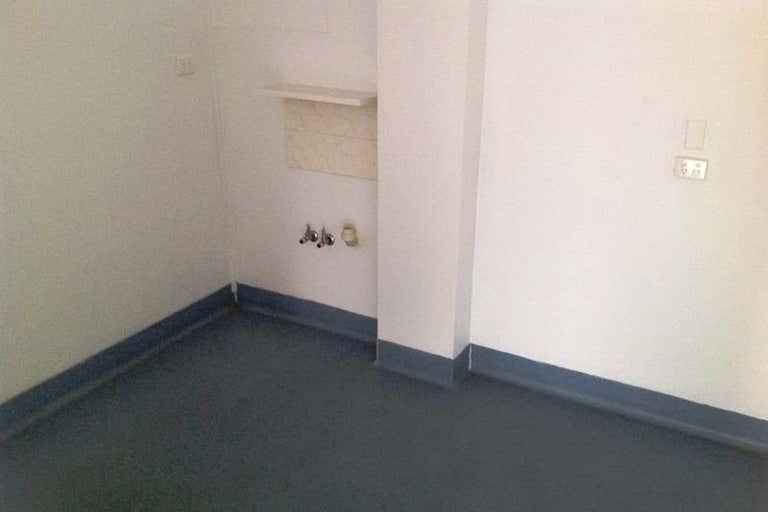 Unit 3, 2 Bruigom Street Norman Gardens QLD 4701 - Image 4