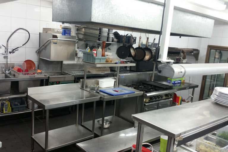 Kitchen, 33 Station Street Bowral NSW 2576 - Image 1