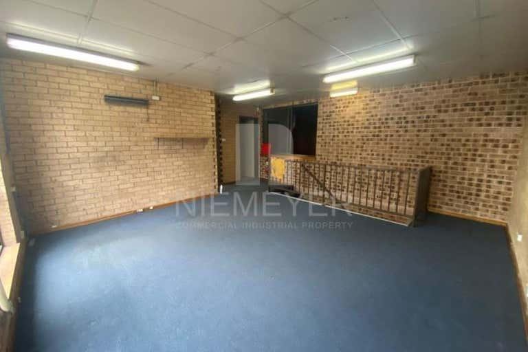 34 Garema Circuit Kingsgrove NSW 2208 - Image 4