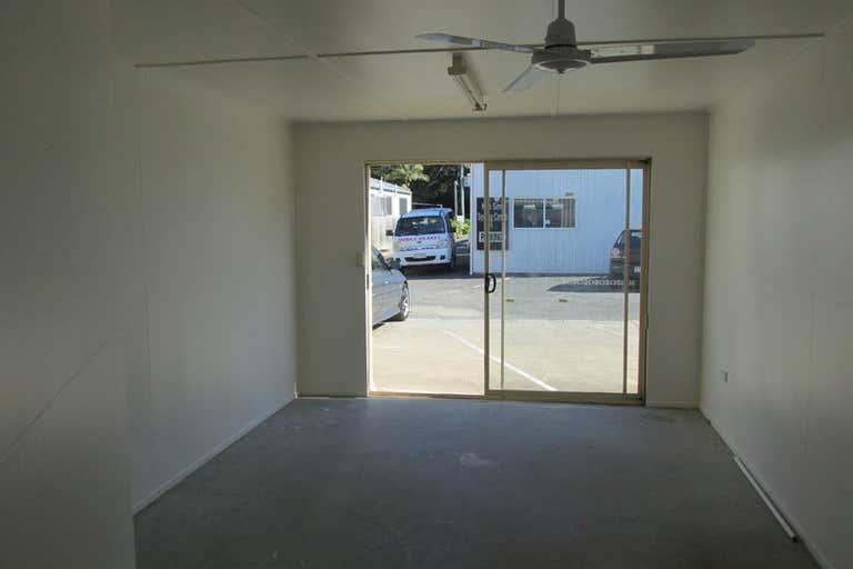 3/76 Elizabeth Street Urangan QLD 4655 - Image 2