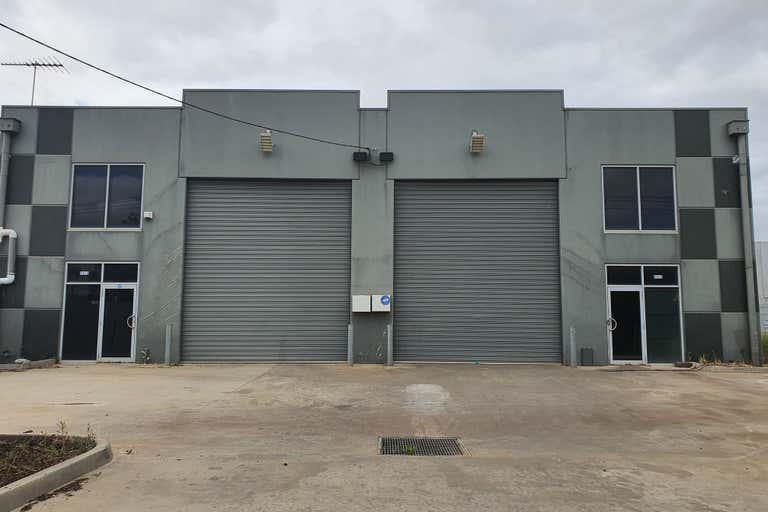 1/11 Loop Road Werribee VIC 3030 - Image 2