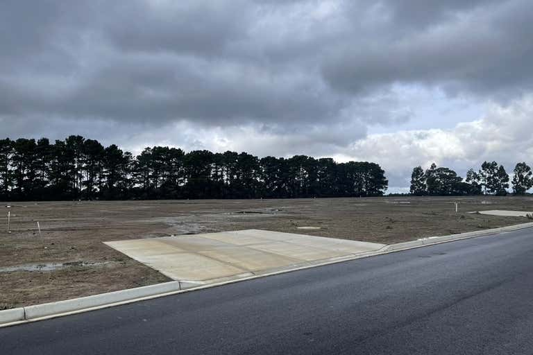 30 Sauer Road New Gisborne VIC 3438 - Image 2