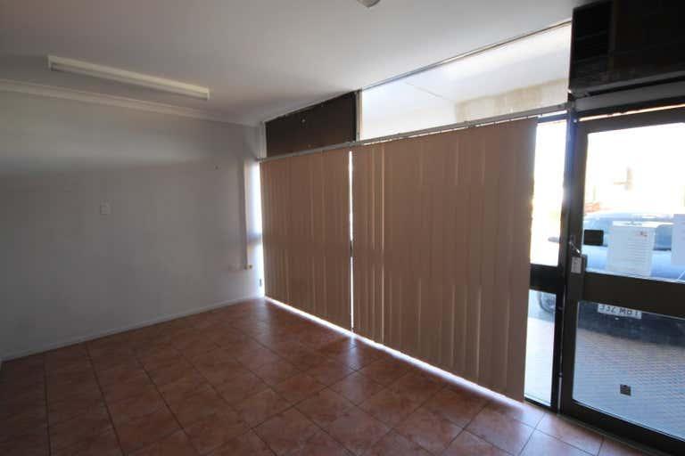 Mackie Court, Shop 8, 42 GLADSTONE ROAD Allenstown QLD 4700 - Image 3