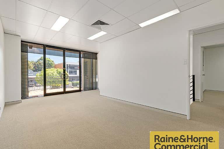 38A Douglas Street Milton QLD 4064 - Image 3