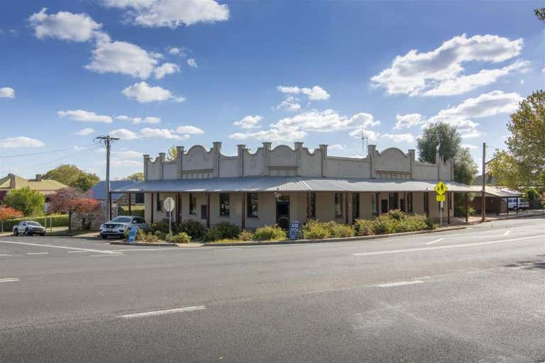 Commercial Hotel, 24 Park Street Millthorpe NSW 2798 - Image 1