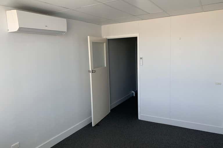 5/185 Mulgrave Road Bungalow QLD 4870 - Image 4