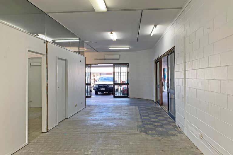 8/21-23 Musgrave Avenue Labrador QLD 4215 - Image 3