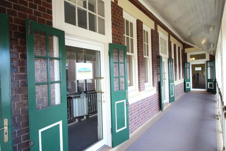 11/124 Margaret Street Toowoomba City QLD 4350 - Image 1