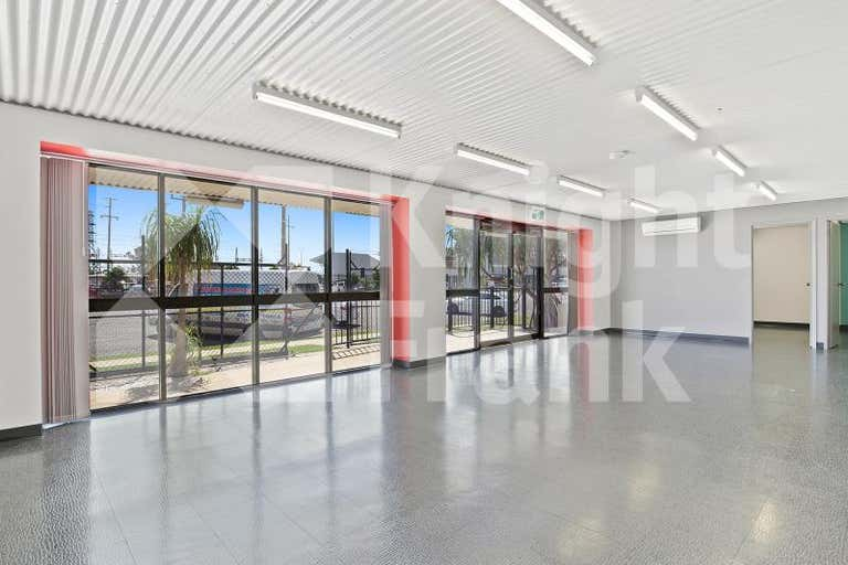 44 Glenmore Road Park Avenue QLD 4701 - Image 2