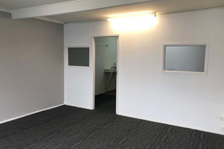 5/5 Davenport Street Southport QLD 4215 - Image 2