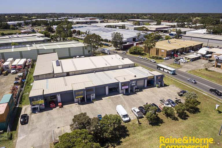 Unit 2, 15 Aero Road Ingleburn NSW 2565 - Image 2