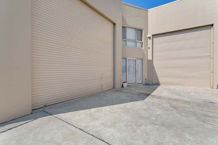 5/2 Saltspray Avenue Redhead NSW 2290 - Image 2
