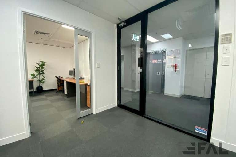 Traxview Strate Office Tower, Suite, 97 Creek Street Brisbane City QLD 4000 - Image 3