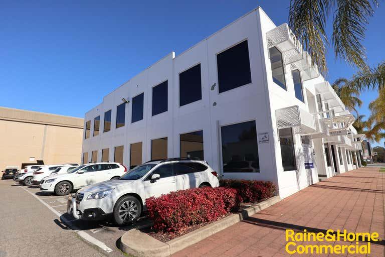 2/20 Morrow Street Wagga Wagga NSW 2650 - Image 2