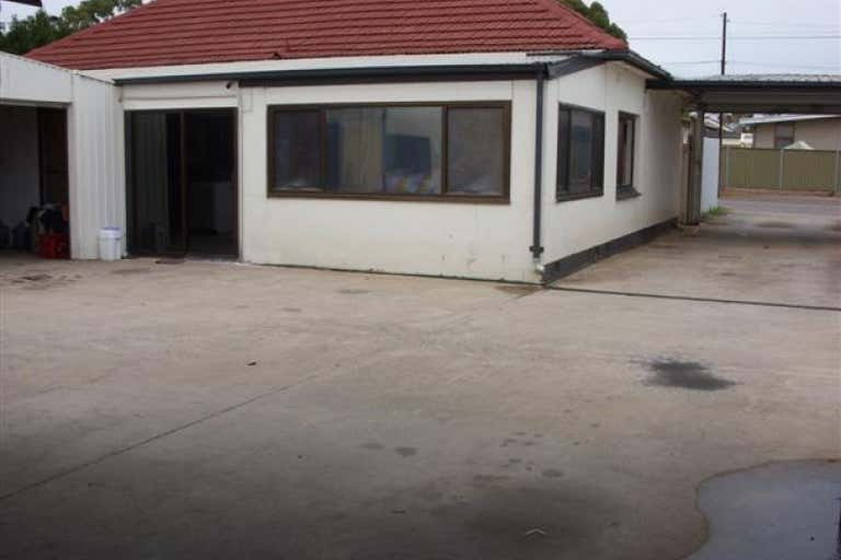 24 Paringa Avenue Somerton Park SA 5044 - Image 2