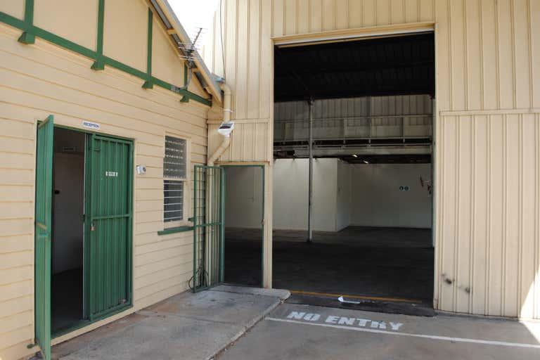 2 Laurel Street (137 Hume Street) Toowoomba City QLD 4350 - Image 4