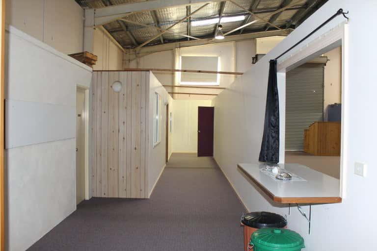 Unit 1/27 Craft Close Toormina NSW 2452 - Image 3