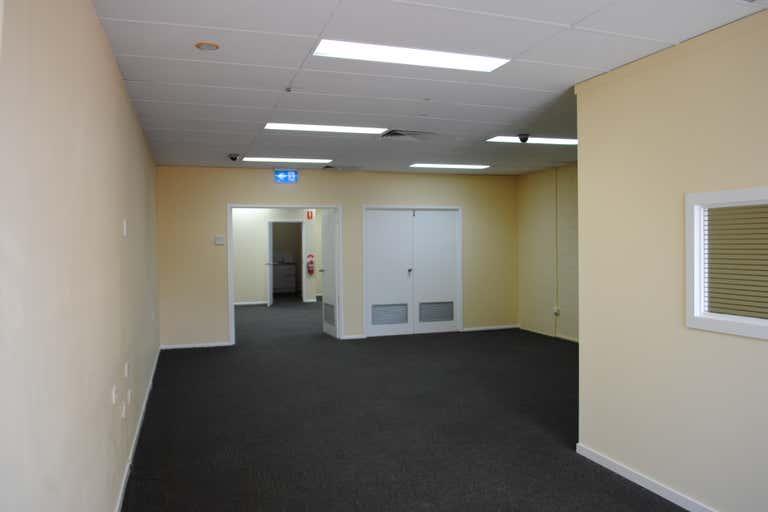 4C/21 Mayes Avenue Logan Central QLD 4114 - Image 3