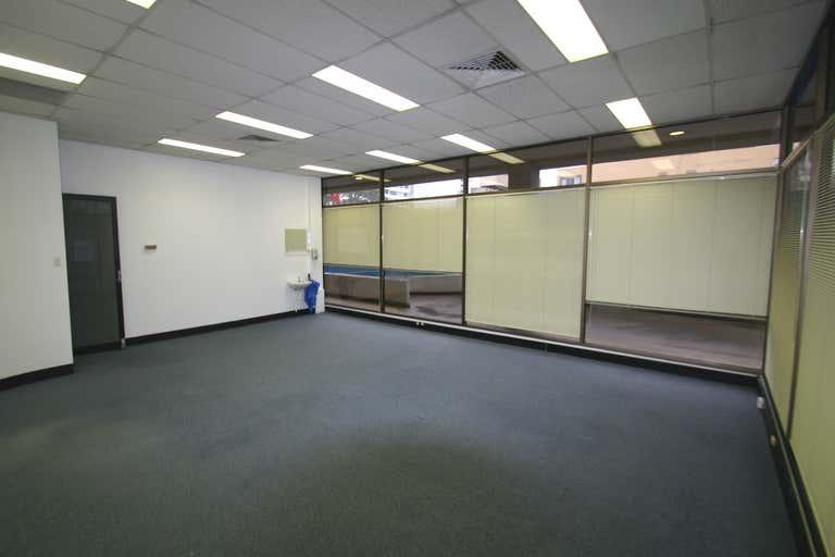 1/12 Thomas Street Chatswood NSW 2067 - Image 3