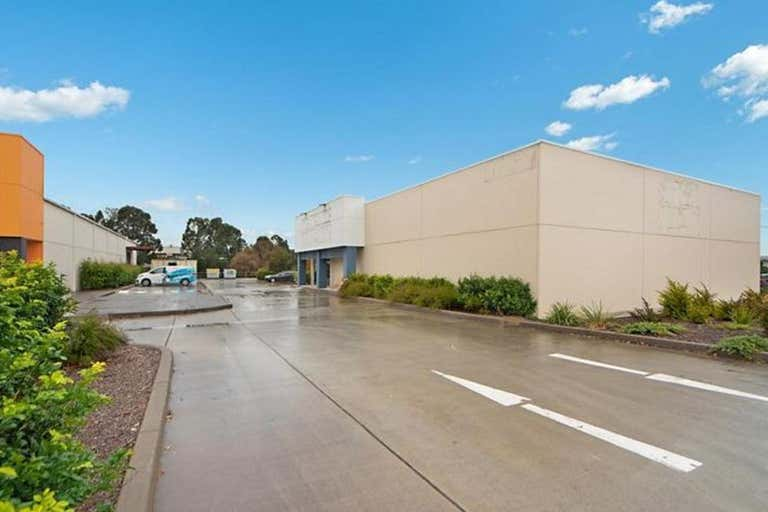 2/58 Shipley Drive Rutherford NSW 2320 - Image 2