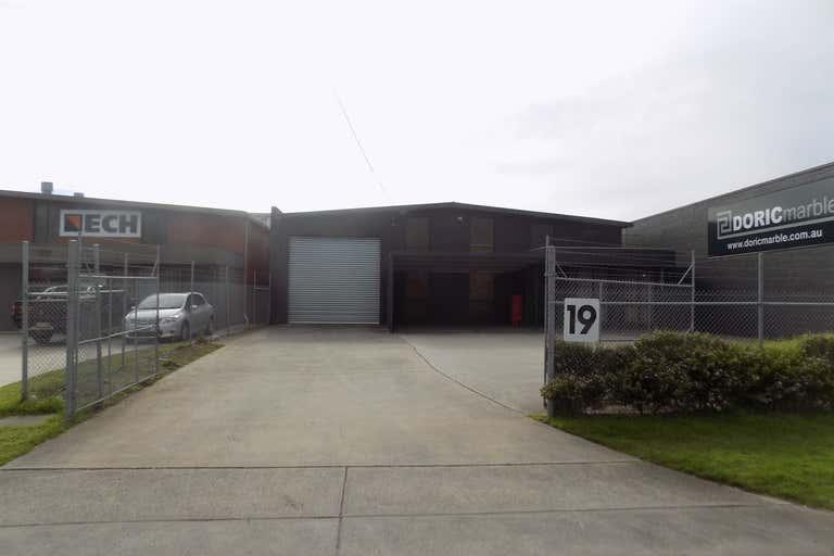 19 Tarnard Drive Braeside VIC 3195 - Image 1