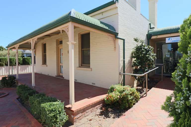 554 Stanley Street Albury NSW 2640 - Image 1