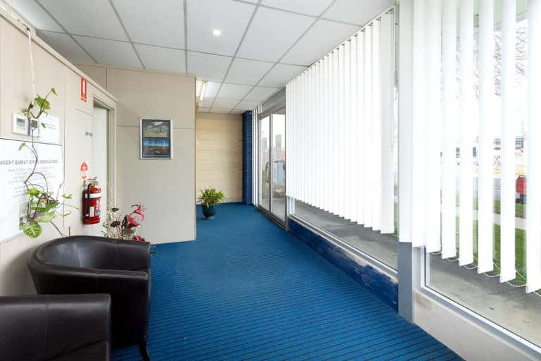 556 Hume Street Albury NSW 2640 - Image 3