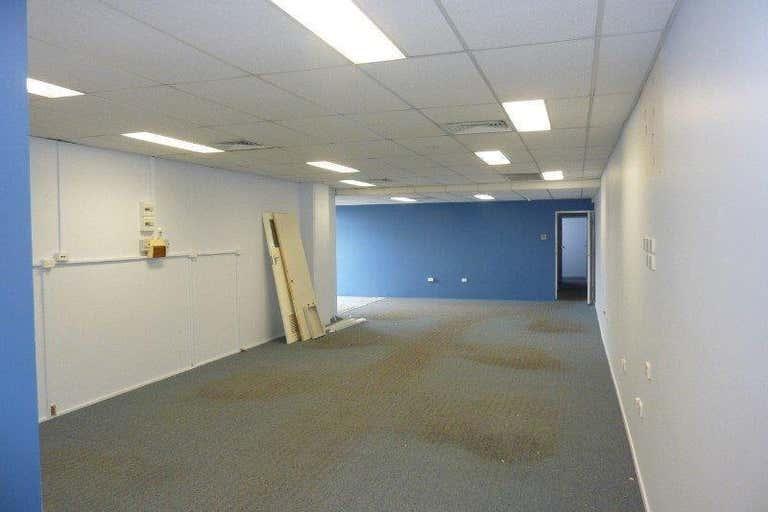 8A/107 Anzac Avenue Redcliffe QLD 4020 - Image 4