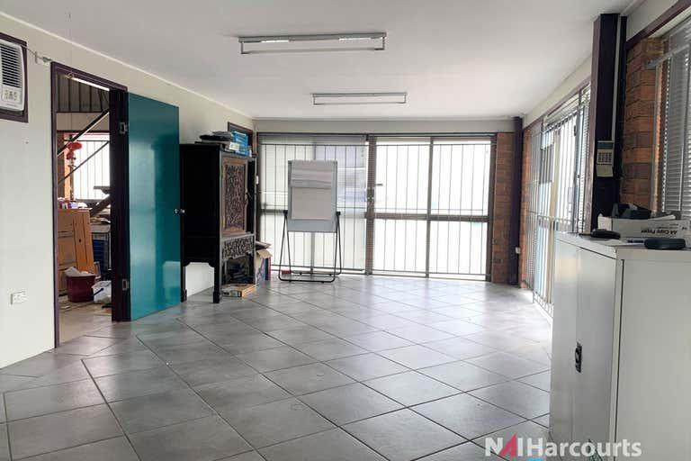 1/6 Moonbi Street Brendale QLD 4500 - Image 2