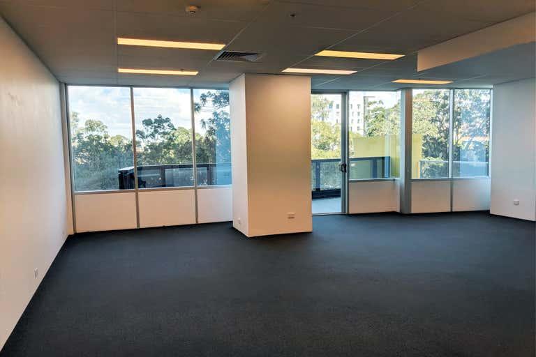 Level 2, 2207/5 Lawson Street Southport QLD 4215 - Image 4