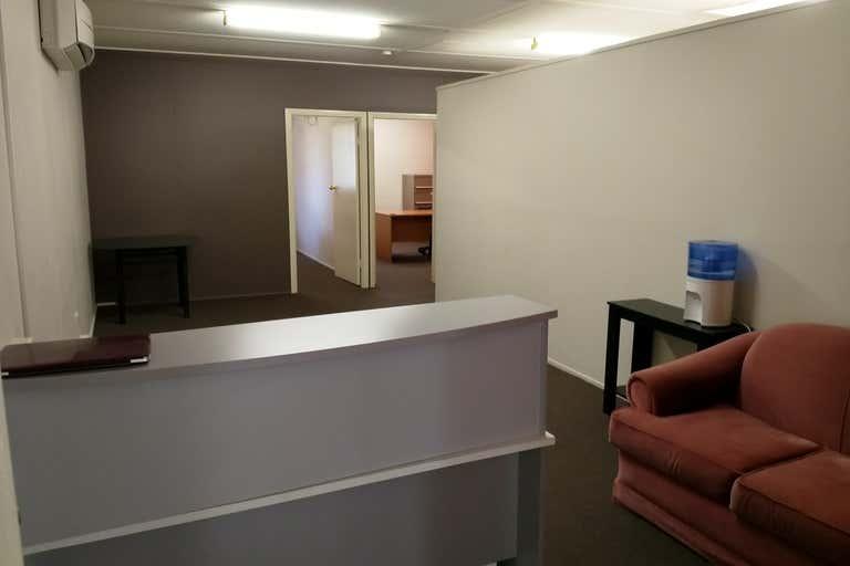 Level 2, 1/52 Egerton Street Emerald QLD 4720 - Image 1