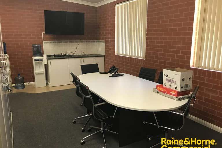 1-2/94 Morgan Street (Cnr Peter) Wagga Wagga NSW 2650 - Image 4