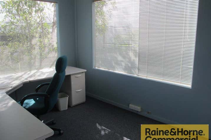 28A/121 Kerry Road Archerfield QLD 4108 - Image 3