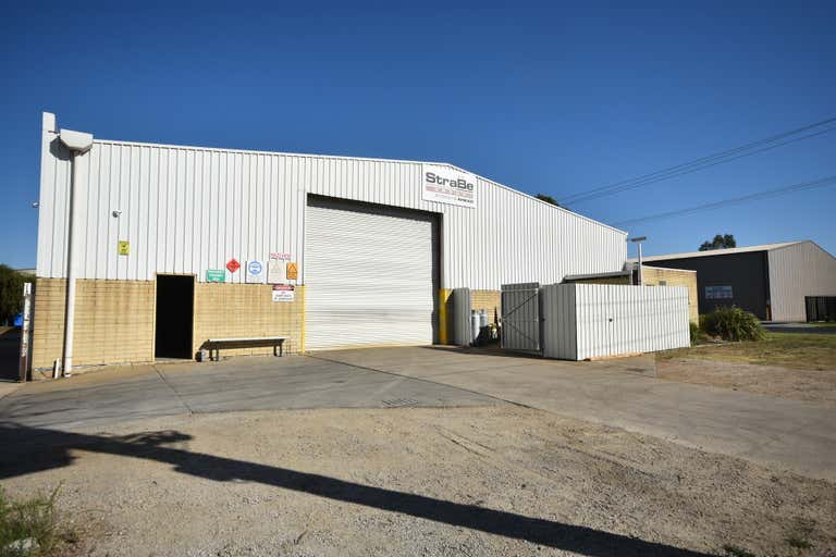 881 Ramsden Drive North Albury NSW 2640 - Image 3
