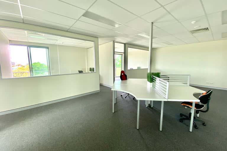 Level 1, Suite 3/84 Brisbane Road Labrador QLD 4215 - Image 3