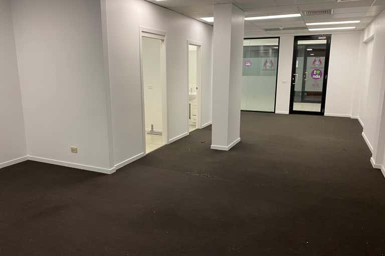 9/520 Victoria Street- North Melbourne VIC 3051 - Image 1